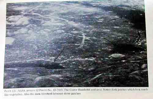 Linien auf der Mondrückseite. Ähnlich wie in Nazca.